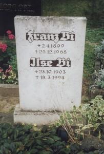 Die Grabstätte des Ehepaars Bi auf dem Rothenburger Friedhof; Foto: Wolf Stegemann