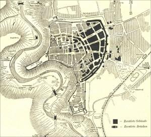 Geschwärzte Stellen im Stadtplan zeigen die zerstörten Stadtteile der Stadt