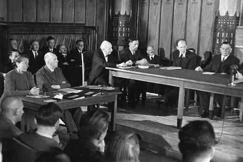 Entnaz-Ausschuss-Szene