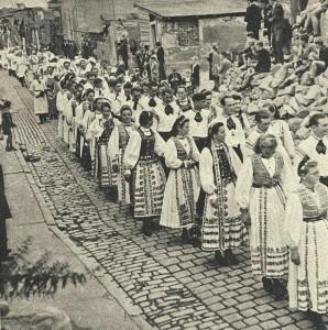 Festumzug der Heimatvertriebenen in Rothenburg 1949