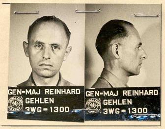 Reinhard Gehlens Karteikarte als US-Gefangener 1945