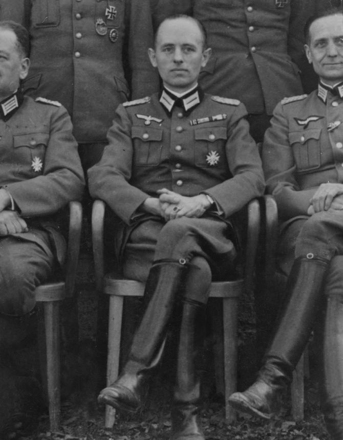 """Generalmajor der Wehrmacht und Chef """"Fremde Heere Ost"""", Gehlen, später Chef des BND"""