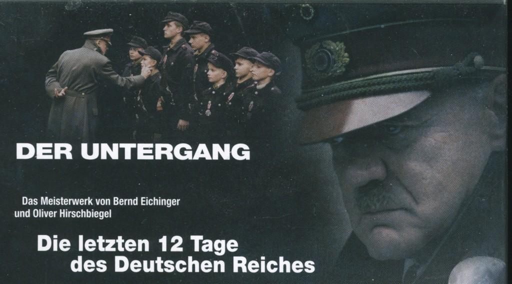 """Auf der Rückseite des DVD-Covers """"Der Untergang"""" (hier Ausschnitt) ist das Hakenkreuz an der Mütze des Schauspielers Ganz, der Hitler spielt, verdeckt. Im Film selbst aber nicht."""