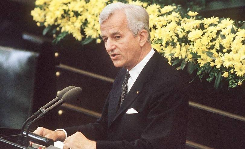 Bundespräsident Richard von Weizsäcker am 8. Mai 1985 im Bundestag