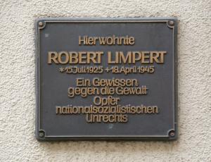 Gedenktafel am Haus in der Ansbacher Kronenstraße