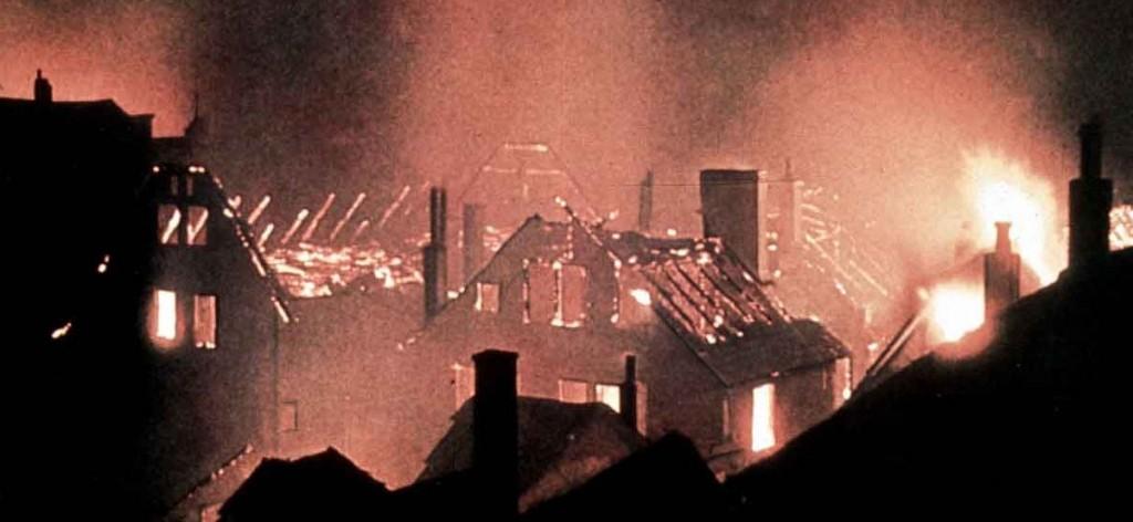 Bombardierung-Feuer-Farbe_Kassel