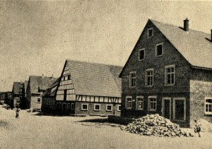 Wiederaufgebaute Häuser in Brettheim