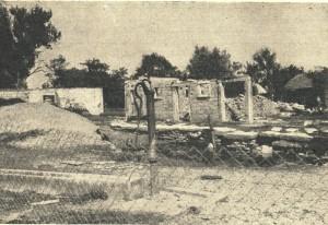 Das ist, was von einem stattlichen Bauernhaus in Leuzendorf nach den Kriegshandlungen übrig blieb.