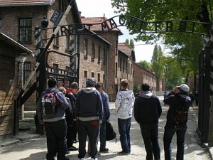 Schüler und Schülerinnen des Berufskolleg Soest in Auschwitz, 2011