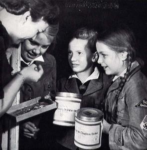 Propaganda-Foto für das WHW; Foto: Bundesarchiv