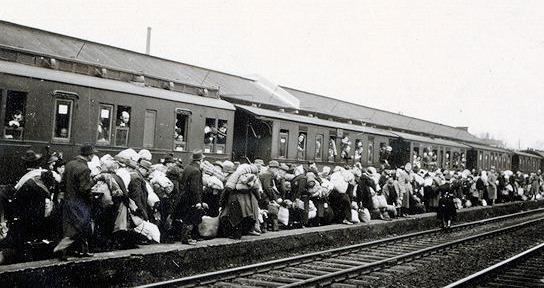 Deportationszug auf dem Bahnhof Bielefeld am 13. Dezember 1941; Foto: Stadtarchiv Bielefeld