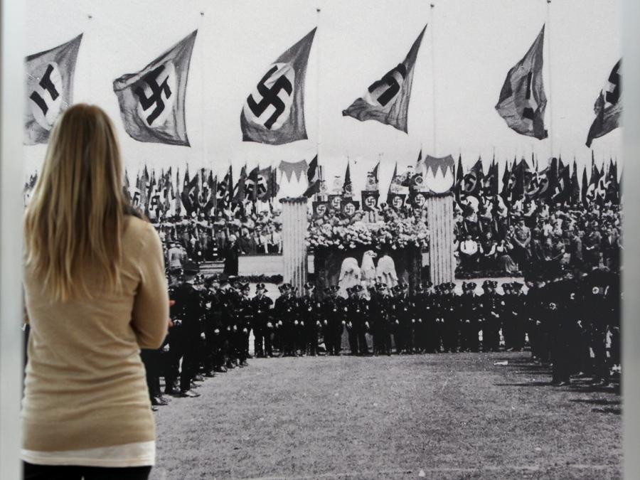 Ausstellung über den Hesselberg in der NS-Zeit; Foto: dpa