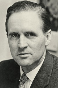 Der spätere Bundespräsident Karl Carstens (CDU) als Staatssekretär 1960