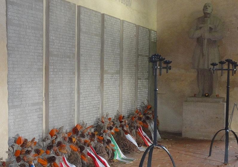 Nachkriegs-Auftrag: Namenstafeln der Gefallenen in der BLasiuskapelle