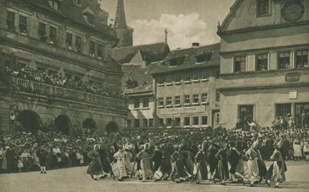 Schäfertanz auf dem Marktplatz 1932