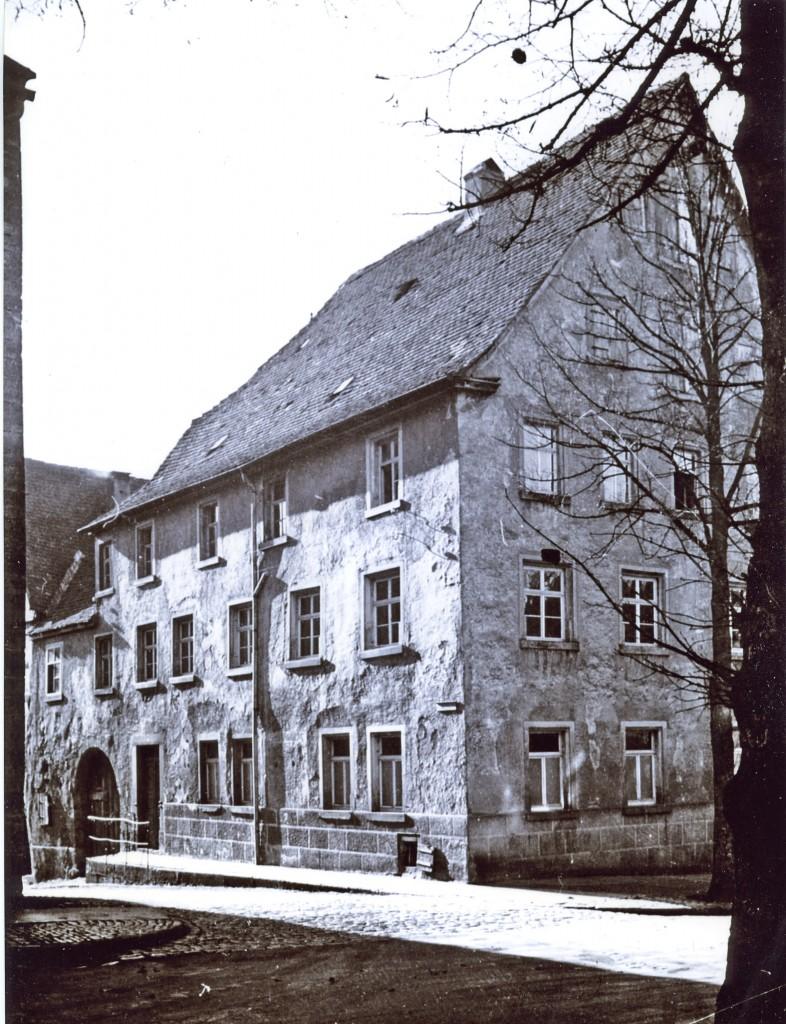 Das jüdische Gemeindehaus mit Betsaal an der Ecke Herrngasse/Heringsbronnengassej