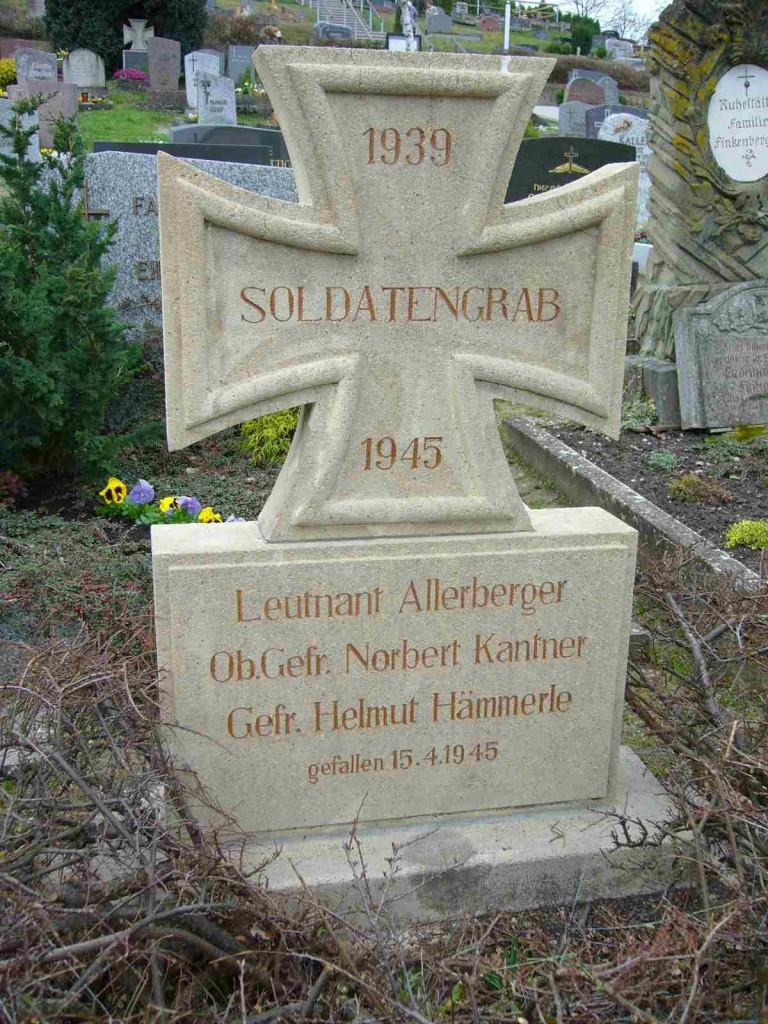 Soldatengrab H. Düll in Burgbernheimim