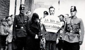Polzei - Vollzieher von öffentlichen Demütigungen