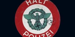 Die traditionelle Polizei-Kelle