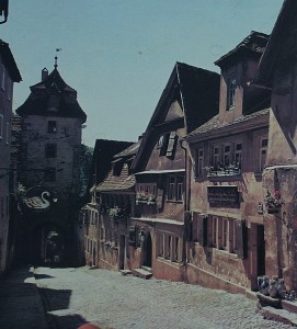 Doerdelmanns Haus an der Koboldzeller Steige (2. v. u.) um 1960