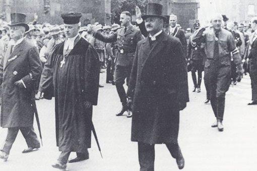Hans Meiser (Mitte)
