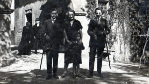 Familie Lehmann 1910 vor dem Burgtor