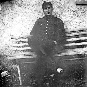 Julian Majka wurde gehängt, weil er eine deutsche Frau liebte. Hier die Fotoserie seiner Hinrichtung.